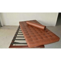 Barcelona Daybed Cushions And Straps In Full Aniline Leather